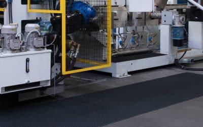 Jak wykorzystać gumowe wycieraczki przemysłowe?